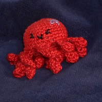 Strawberry Opal the octopus brooch key ring