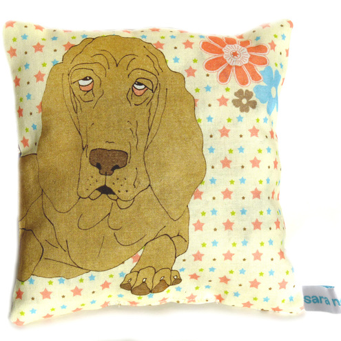 Lavender scented mini cushion featuring Bloodhound dog