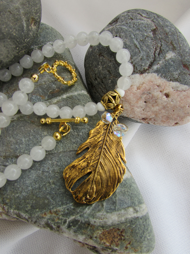 Snowquartz and gold feather Necklace