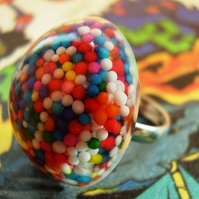 "LaRgE  CoLoUrFuL StAtEmEnT RiNg ""ToOtH RoT SpRiNkLe"""