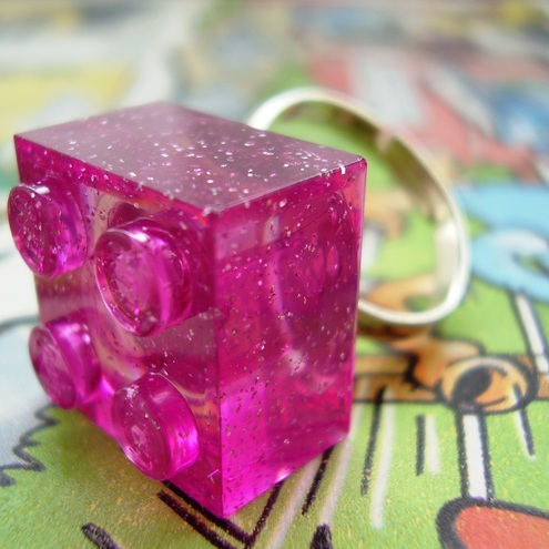 bLoCk PaRtY LiGhTs - LeGo PiNk gLiTeR RiNg