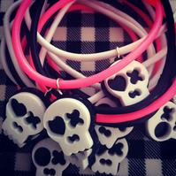 Kitsch Skull Friendship Bracelet in black, white and pink SUGARY SKULDUGGERY