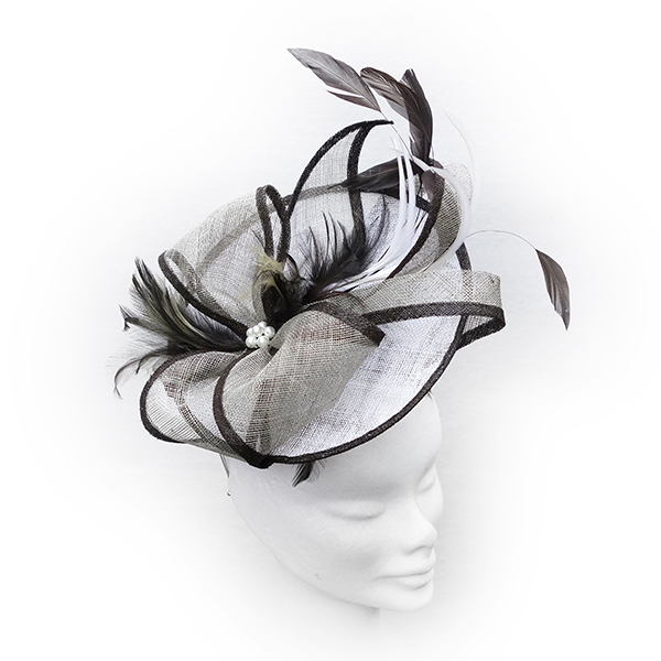 """Daisy"".....Sinamay Fascinator"