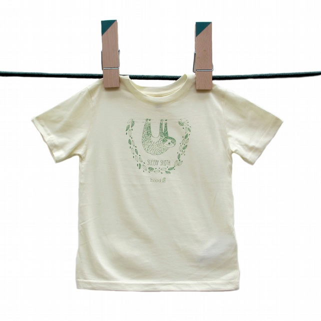 Sleepy Sloth organic cotton Unisex kids tee. Perfect for any animal loving kid!