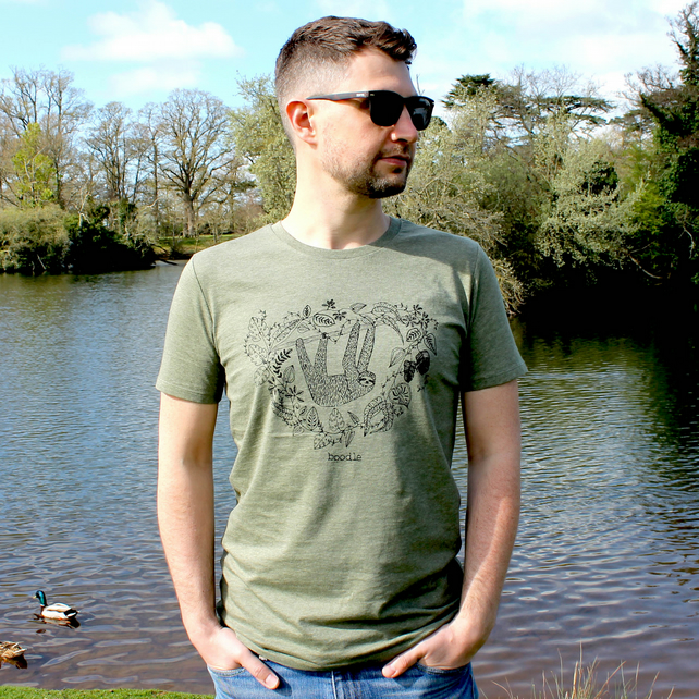 Sleepy sloth organic mens T-shirt