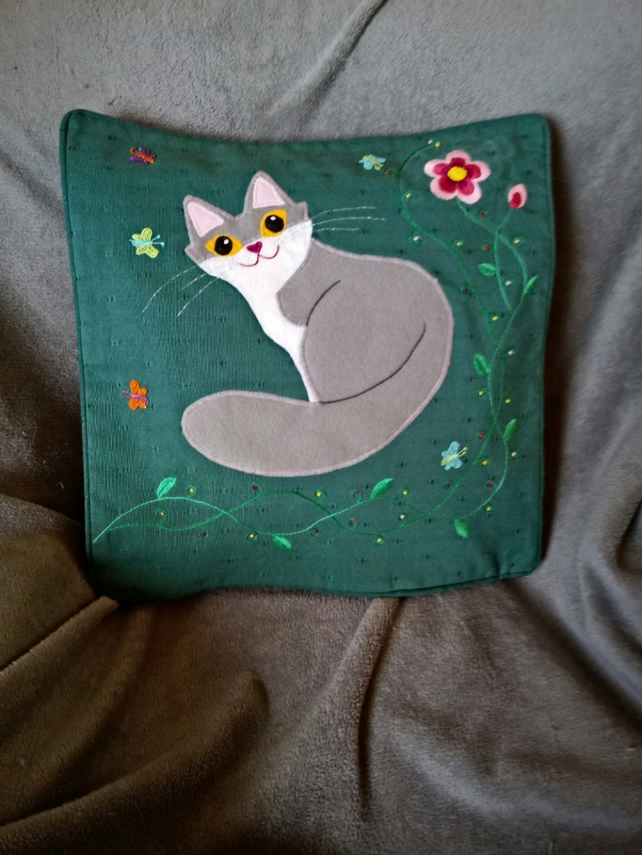 "Handmade, appliqued cushion cover ""Grey Cat"""