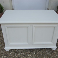 Shabby Chic Coffer Blanket Toy Box in Annie Sloan Old Ochre