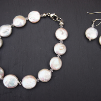 Coin freshwater pearl bracelet and earrings set