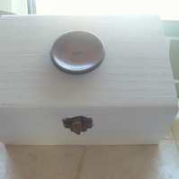Beautiful Keepsake Wooden Button Box res Jean