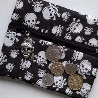 Skull and Crossbones wrap around coin purse 512