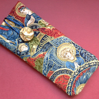 Angel glasses or sunglasses case 412