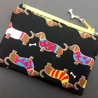 Dachshund coin purse 125E