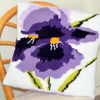 Knitting Pattern for Iris Cushion