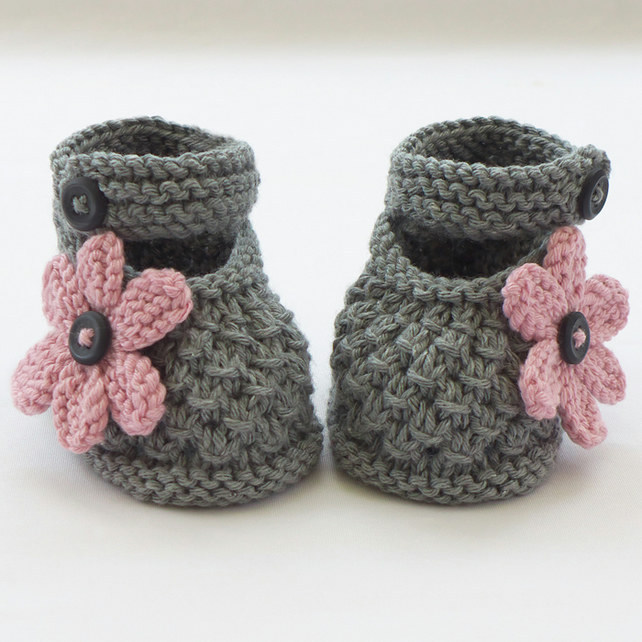 Knitting Baby Shoes : Image gallery knitted baby shoes