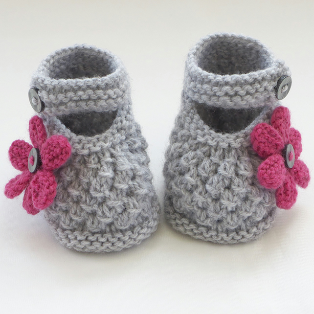 Easy Knitting Pattern Hat : Hand Knitted Baby Shoes-Booties - Folksy