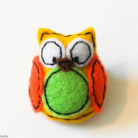 Felt Brooch Cute Owl. Mothers day gift. Present for an owl lover