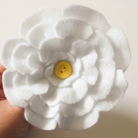 Felt Brooch, Handmade White Flower felt brooch, Gifts for Her, Stocking filler