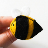 Bee felt brooch, Present for a bee keeper, Cute handmade bee brooch, pin.