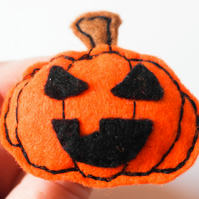 Pumpkin Halloween Brooch, Pin, Ghoulish Grin Orange Felt Pumpkin Brooch