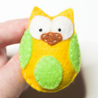 Felt Brooch, Cute Handmade yellow and green Owl brooch