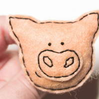 Pig brooch - Cute piggy brooch - Handmade Pin