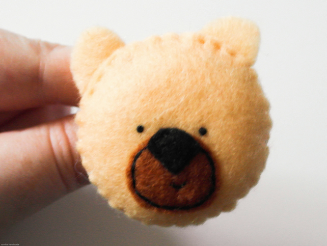 Felt bear handmade brooch, Kawaii felt teddy bear pin, Cute animal jewellery pin