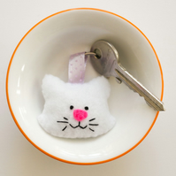White felt cat keyring-Kawaii Cat key ring-Gift for a cat lover-Cat bag Charm