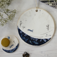 hare on the plain small round plate - handmade stoneware pottery