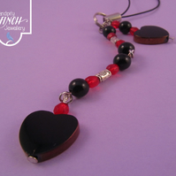 Black hearts with red beads mobile phone charm