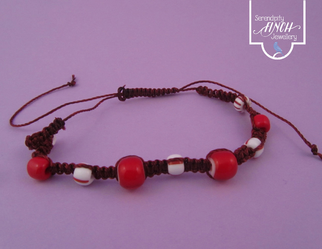 Red White Macrame Thin Bracelet
