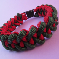Green Red Paracord Bracelet, Shark Jaw Bone Paracord Bracelet