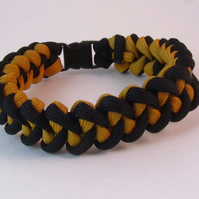 Paracord Bracelet, Black Yellow Shark Jaw Bone Paracord Bracelet