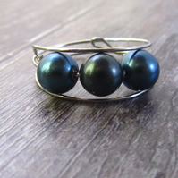 Blue Shell Pearl Memory Wire Ring, Blue Ring, Shell Pearl Ring
