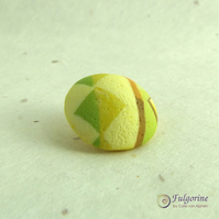 Yellow geometric pattern polymer clay shank button