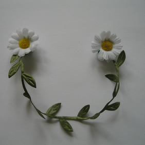 Daisy Chain Floral Collar Clips