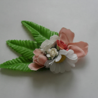 Daisy Floral Fascinator (hair clip, brooch, white, burlesque wedding summer