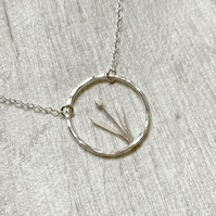 Silver spring flower necklace