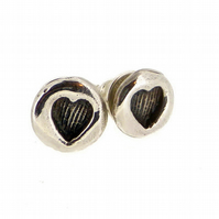 Heart ear studs, small ear studs, tiny earrings, heart earrings, round earrings.