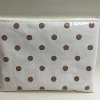 iPad bag,Tablet cover,iPad case,iPad Sleeve,cream spotty Oilcloth