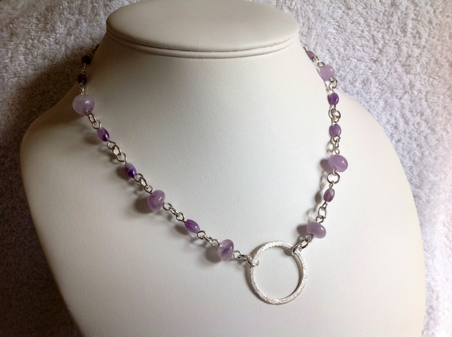 Light purple amethyst and silver circle necklace.