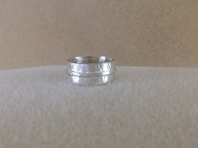 Sterling silver unisex patterned wide band ring