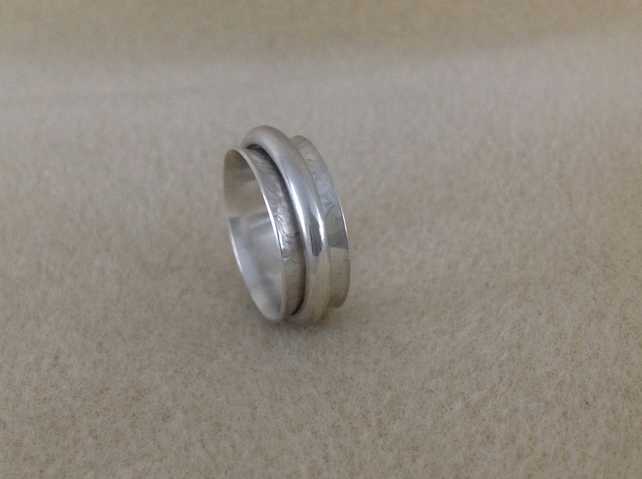 Sterling silver unisex Spinner worry ring