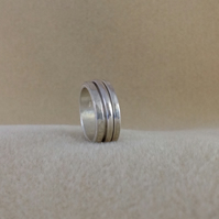 Sterling silver Deluxe Unisex Spinner Worry ring