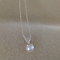 Freshwater pearl Sterling and Fine silver dainty pendant necklace