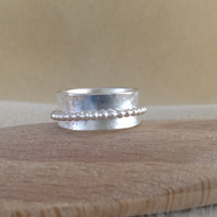 Sterling silver ball band spinner worry ring