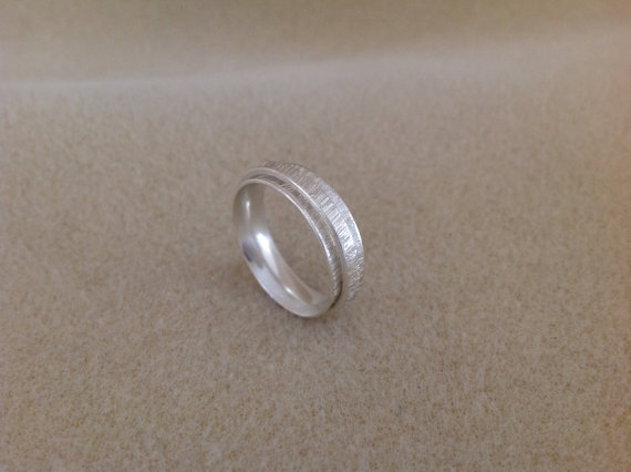 Sterling silver vertical cut slim spinner worry ring