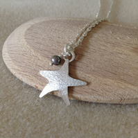 Sterling silver textured Starfish and white or grey Pearl charm pendant necklace