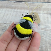 Small bumblebee hanging decoration
