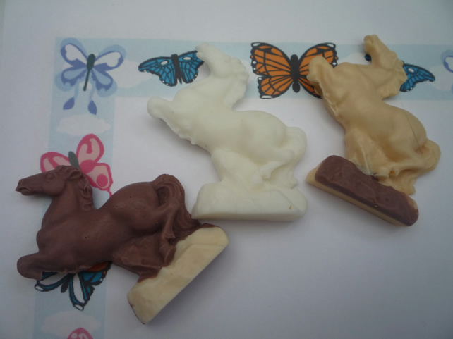 horse shaped novelty soaps x 3