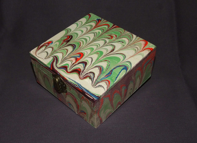 Marbled Box with Wave Design